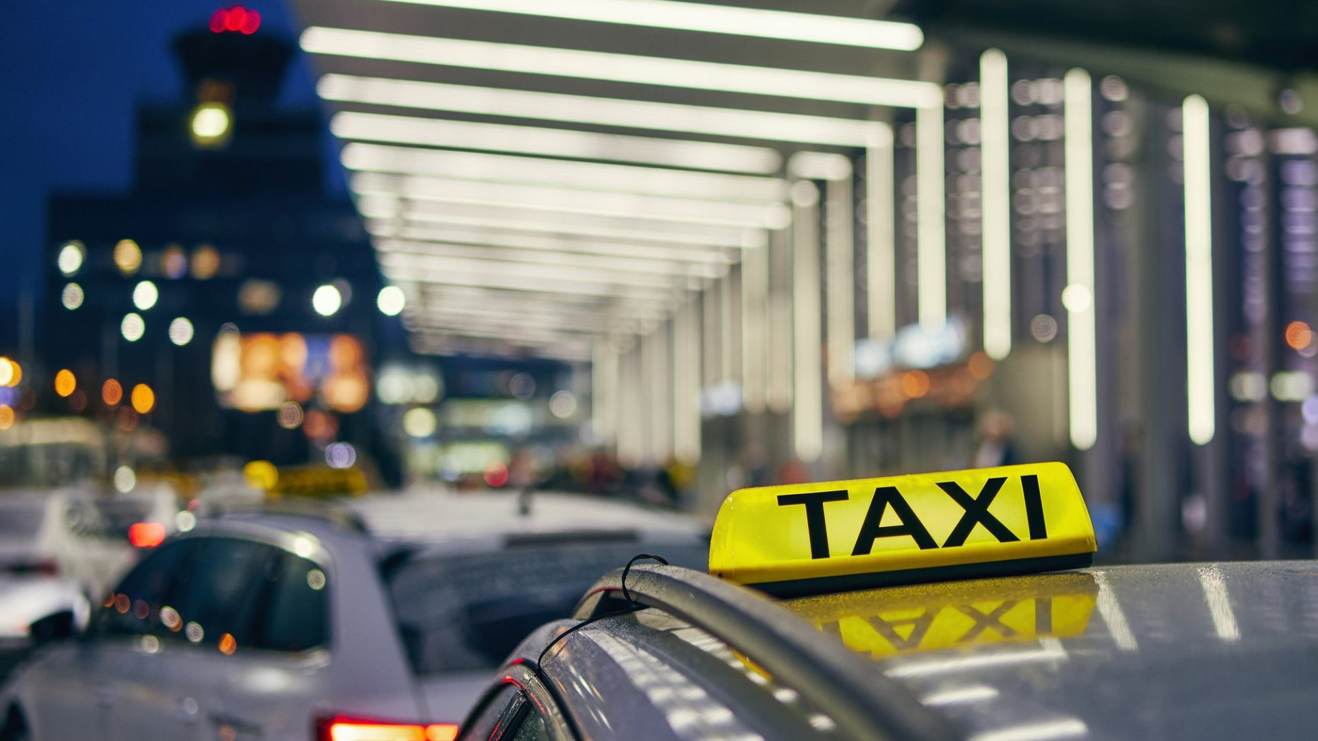 Lighting taxi sign
